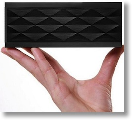 Roker Sound cube looks exactly like a jam box, with textured sreen edges made of parallelograms